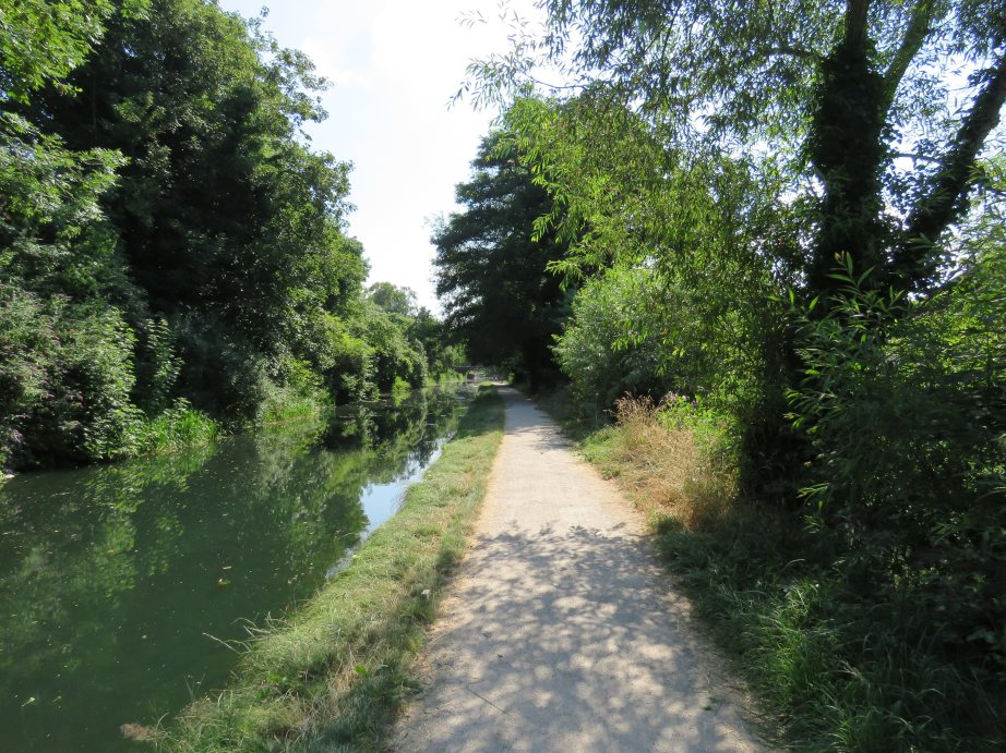 The Cotswold Way alongside Stroudwater Navigation (Nick Johnston)